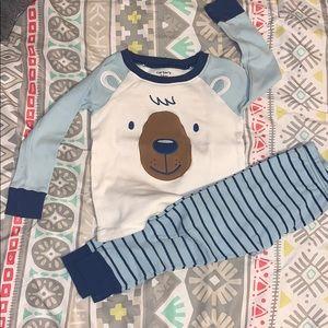 Carters toddler boy pjs set. Size 24 months